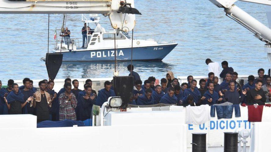 """Sondaggio Demos - Immigrazione e favore verso i leader politici: i 5 Stelle si stanno """"salvinizzando""""?"""