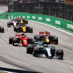 Il grande ritorno delle Corse Clandestine: in Abruzzo la Mercedes è davanti, ma la Ferrari tenta il sorpasso.